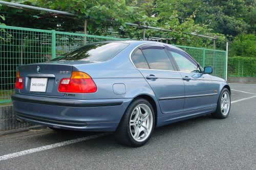 00_BMW323_02
