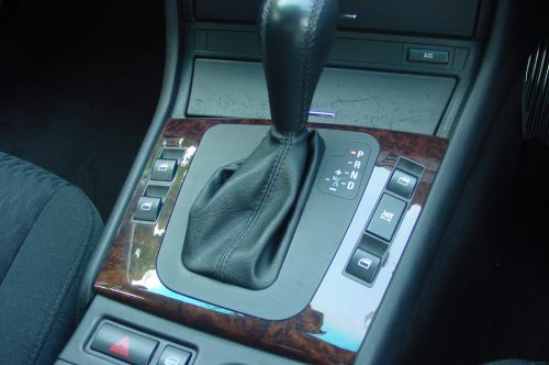 00_BMW323_08