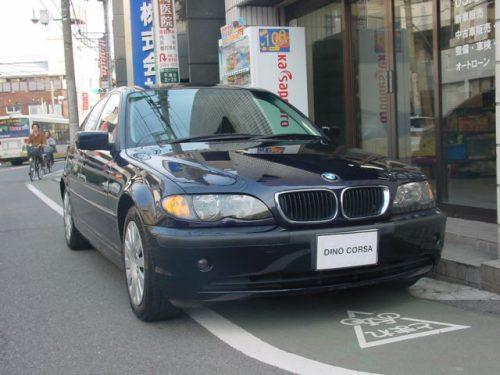 02_BMW318_01