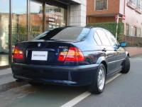 02 BMW320i