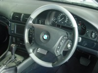 02 BMW 525i Selection