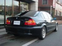03 BMW 320i
