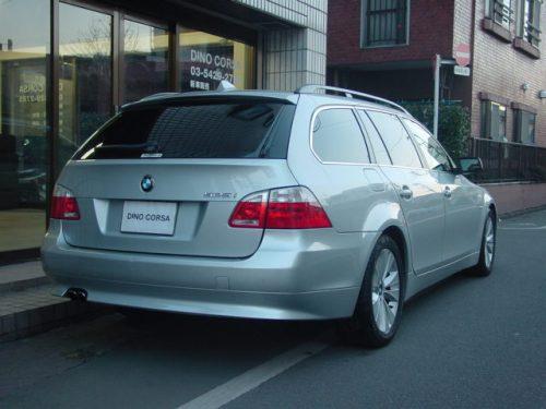 04_BMW525T_HL_02