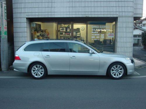 04_BMW525T_HL_03