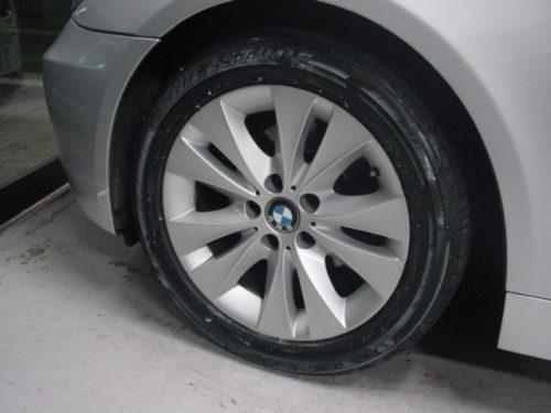 04_BMW525T_HL_07