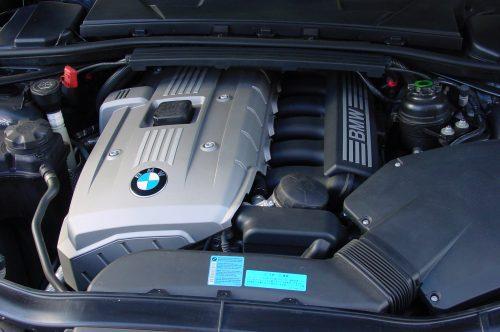 06_BMW323_08