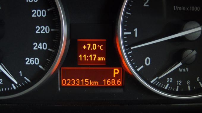 09_BMW320_12