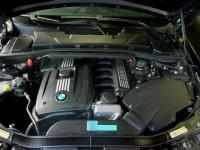 09 BMW325i