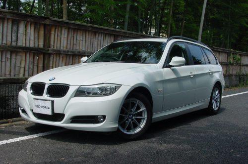 10_BMW320T_01