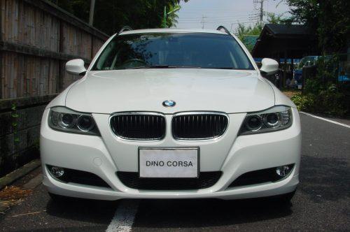 10_BMW320T_04