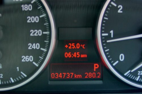 10_BMW320T_06