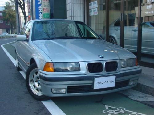 97 BMW320i